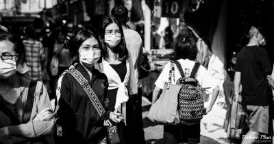 Asian_women_wearing_masks