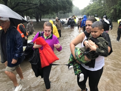 Evacuees fleeing Hurricane Harvey flooding
