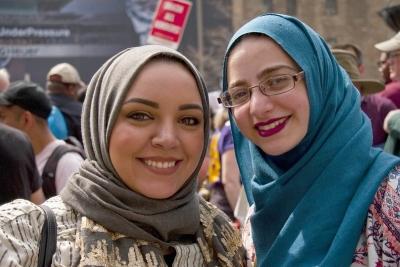 two-muslim-women-smiling